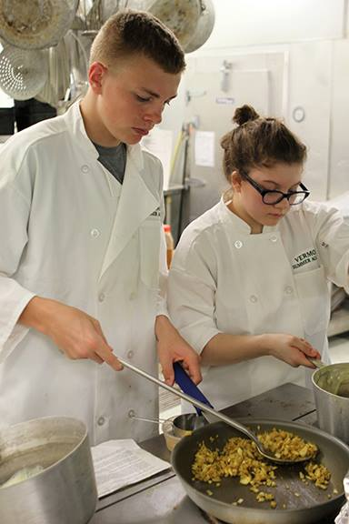 culinary summer camps students in action